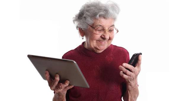 Photo of 2 bătrâne, 1 telefon și 6 cafele #poveștilaminut