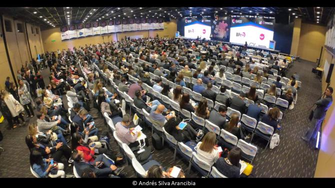 andres-silva-arancibia-marketing-digital-estrategia-transformación-seminarios-charlas-conferencias-talleres-eventos-congresos-experto-speaker-autor-bogota-cx-summit-2