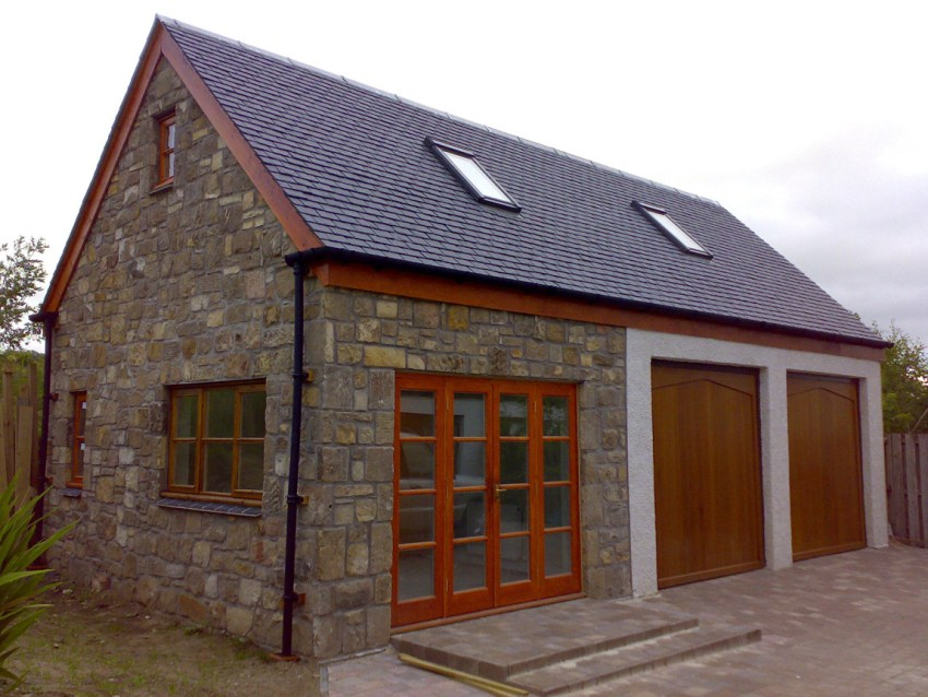 traditional stone finish to home office and double garage