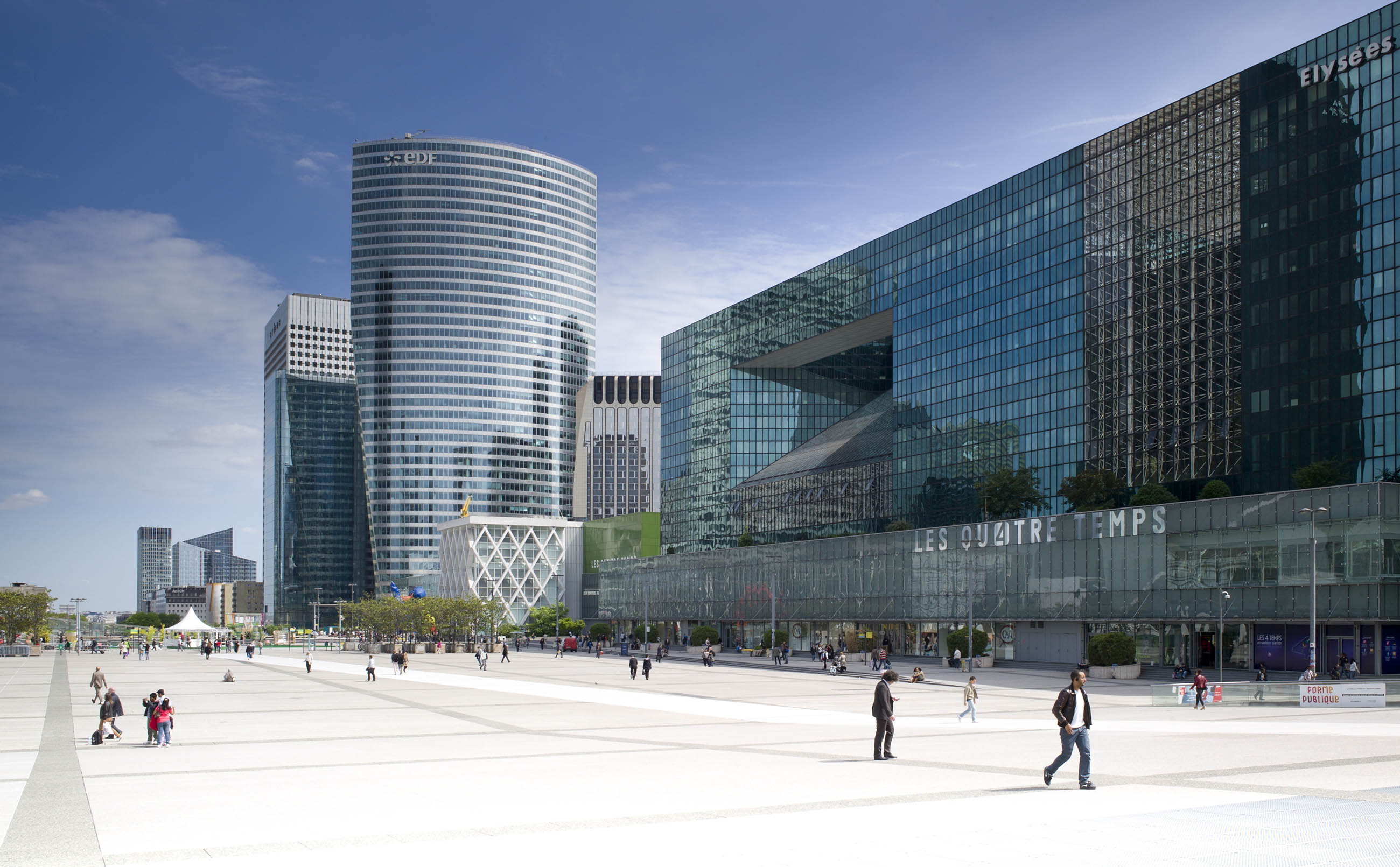 Architectural Photography, La Défense, Paris by Andrew Butler - Exeter, Devon