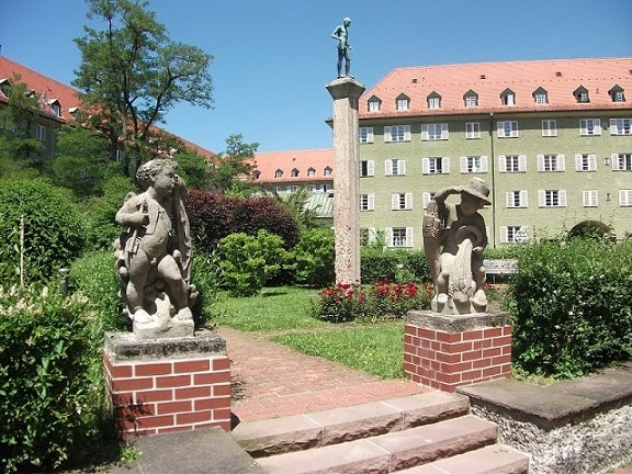 Sculptures in the courtyard of Borstei