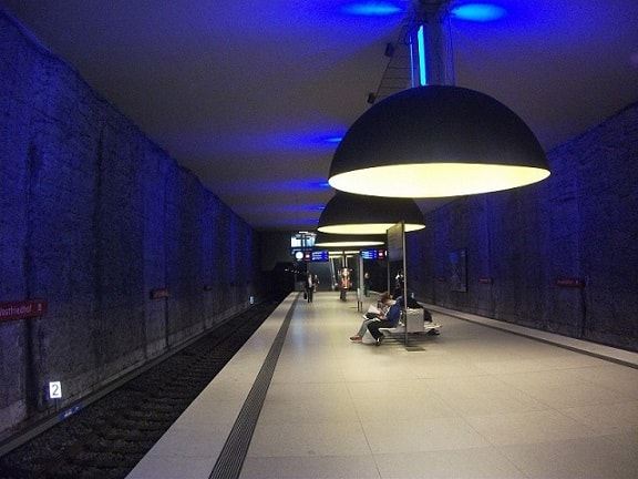 Westfriedhof Subway Station