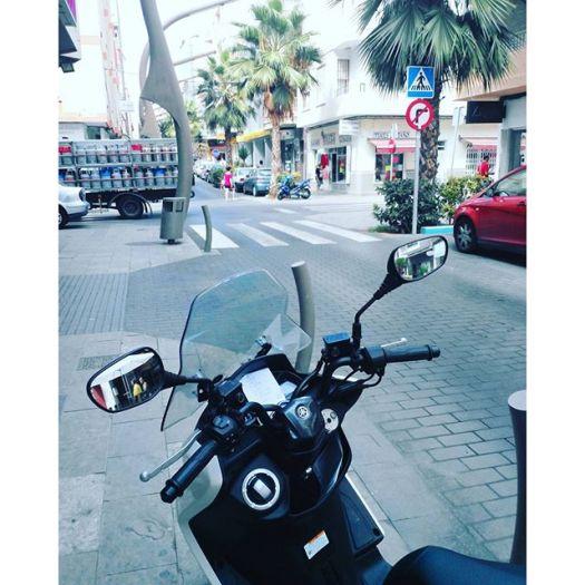 Calle Caballero de Rodas, Torrevieja, Spain#architecture #moped #street #traveling #park #vsco #nature #torrevieja #scooter #travel #europe #spain #spagna #espagne #spanien #españa #costablanca #urban #square #town #city #valencia #alicante #coast #costa #viaje #viajes #sunny #calle #igersspain