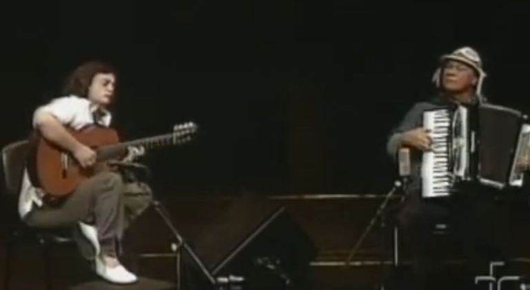 """Best of Brazil: Jobim's """"Wave"""", played by Dominguinhos and Yamandú Costa"""