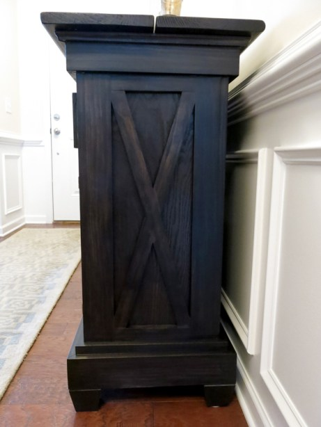 Entrance Cabinet 4