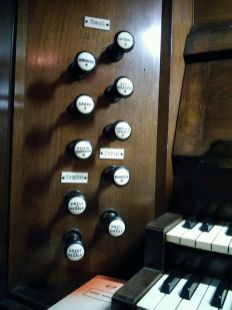 Swell- and pearl-organ stops. Our Lady and St Catherine of Sienna Catholic church London E3, pipe organ by Hill, Norman and Beard.