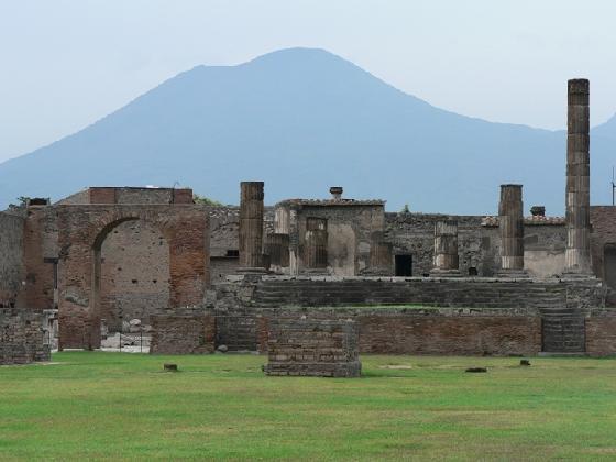 vesuvius-and-pompeii1