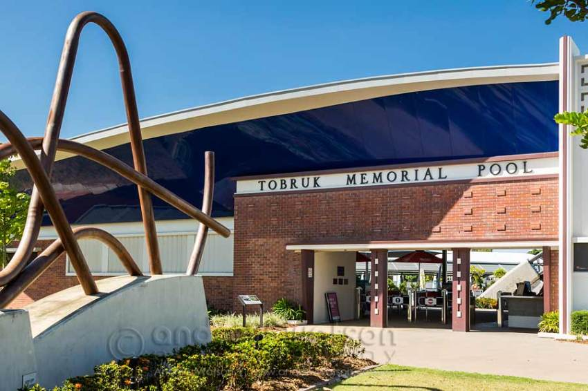 Image of entrance to Tobruk Memorial Pool in Cairns