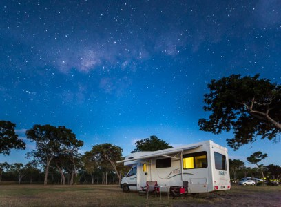 Image of campervan and the Milky Way at Clairview Beach, Mackay