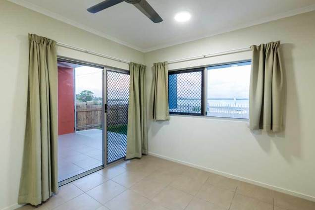 Image of bedroom in a unit housing development, Thursday Island