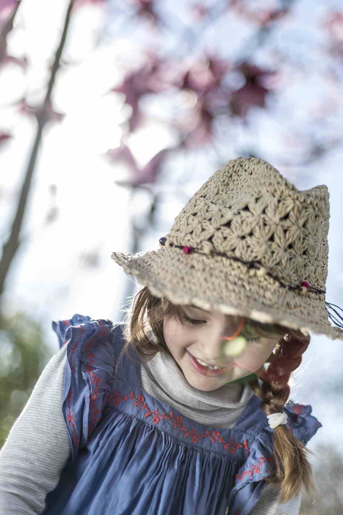 Portrait photography of young girl in a garden