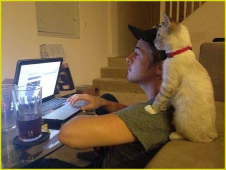 Хозяин и кот
