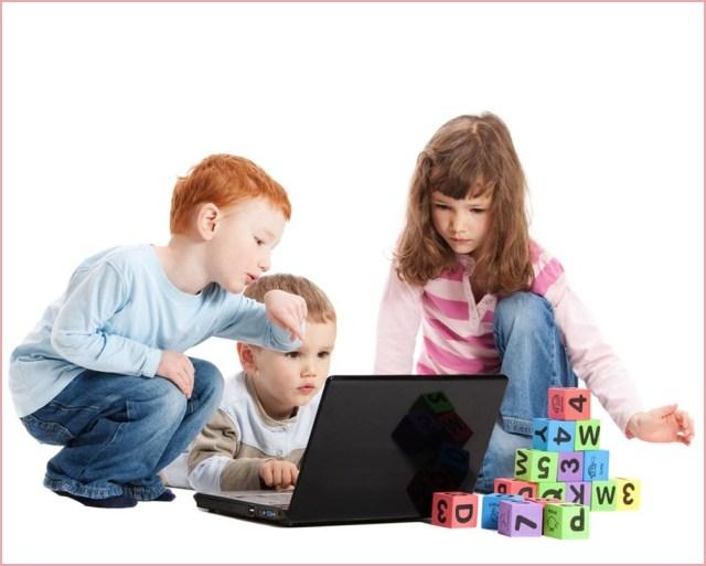 Фото детей с ноутбуком