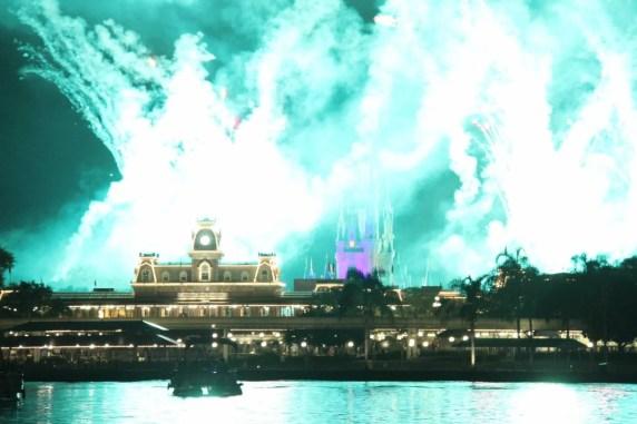 Pirates & Pals Fireworks Voyage festa pirata