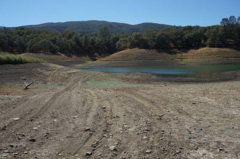 Wenig Wasser im Lake Barryessa