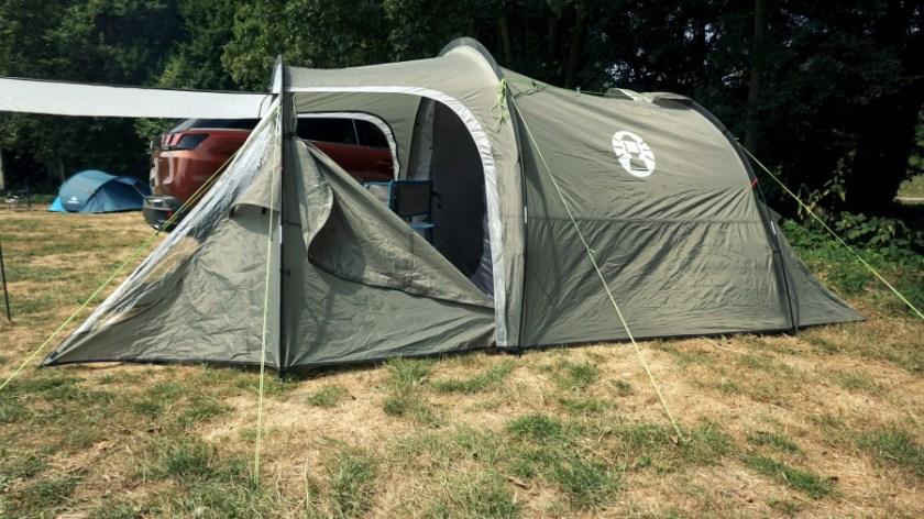Лучшая палатка для двоих человек Coleman Coastline Plus (3)