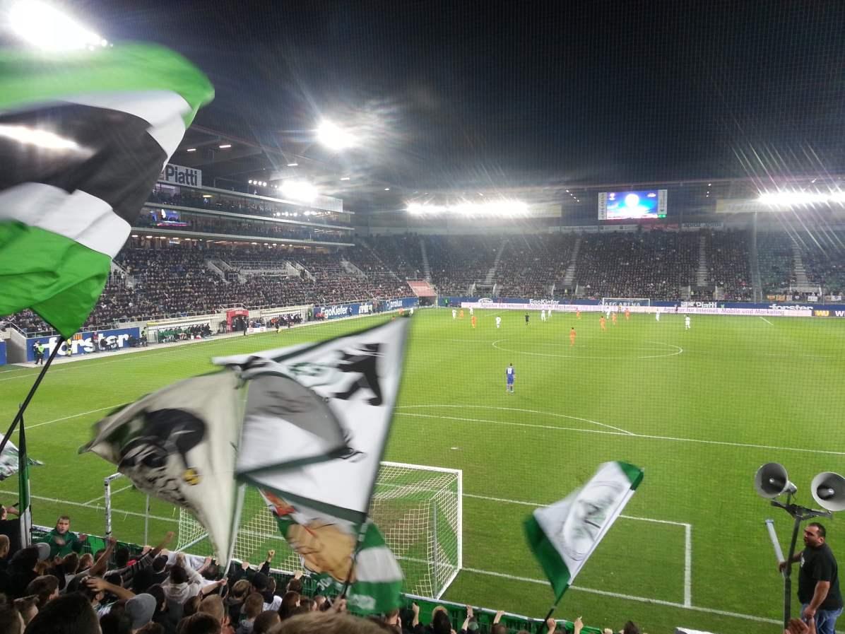Aussicht in die volle AFG Arena beim Spiel gegen Valencia