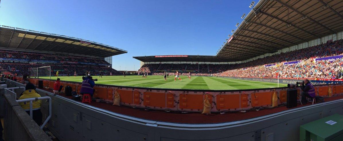 Panoramansicht des Britanna Stadiums