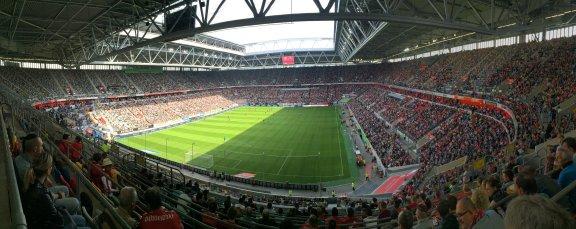 Panoramaansicht der Spielstätte der Fortuna