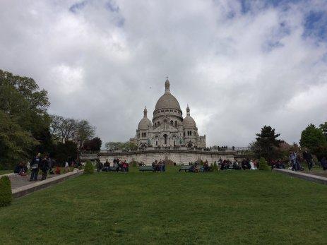 Die Sacré-Cœur de Montmartre im gleichnamigen Quartier