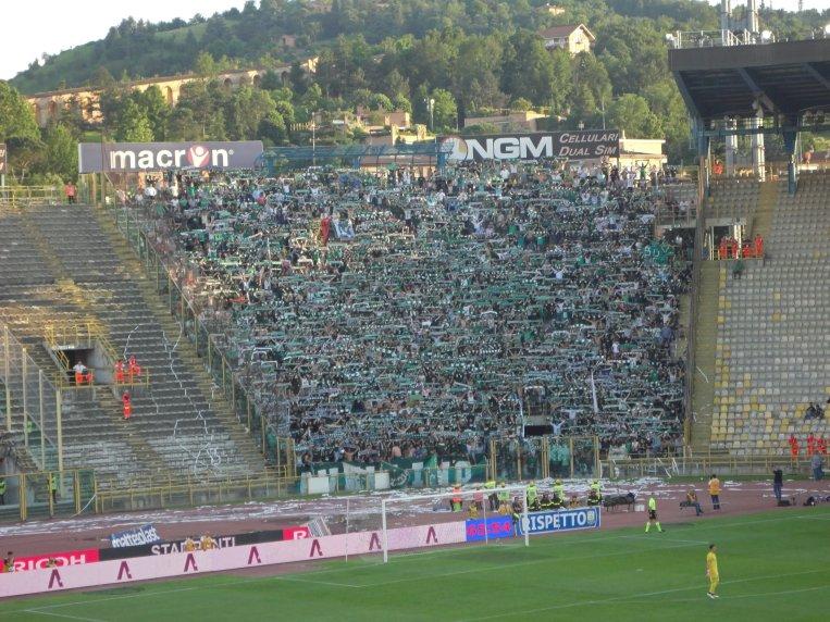 Schalparade bei den 3000 Avellino Fans
