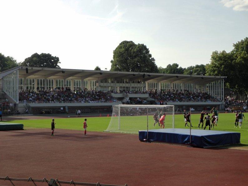 Tribüne im Willy-Sachs-Stadion zu Schweinfurt