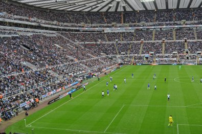 Die mächtige Tribüne in Newcastle
