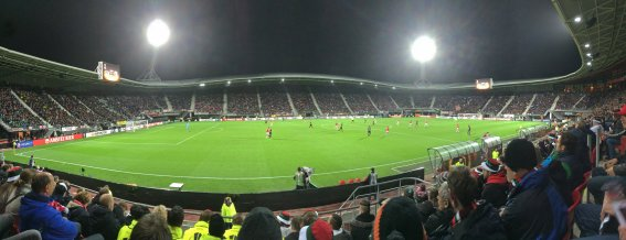 Panoramaansicht des Stadions in Holland