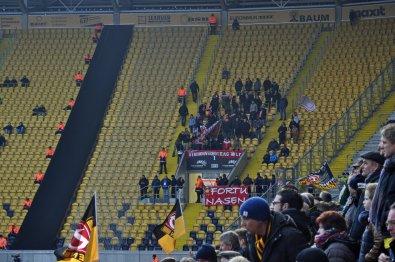 Die kleine Schar an mitgereisten Fans aus der Domstadt