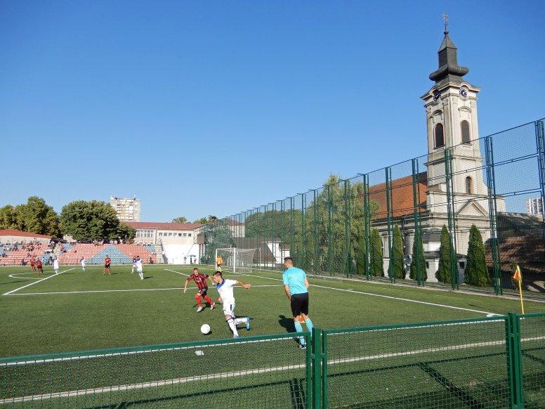 Auf beiden Seite eine schöne Kulisse für das Spiel in Novi Belgrad