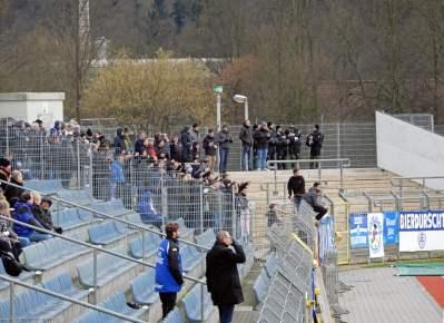 Die mitgereisten Anhänger aus Baden-Württemberg