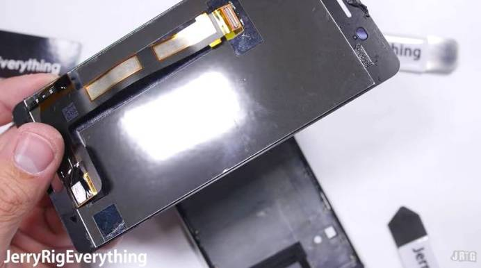 Nokia 6 Teardown 9