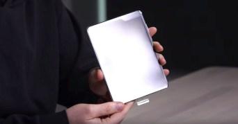 Samsung Galaxy Fold Unboxing 7