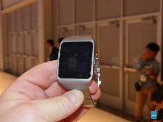 Sony-Smartwatch-with 3 con correa metalica 10