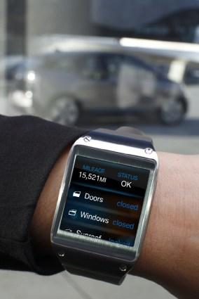 Galaxy-Gear-and-BMW-i3_2
