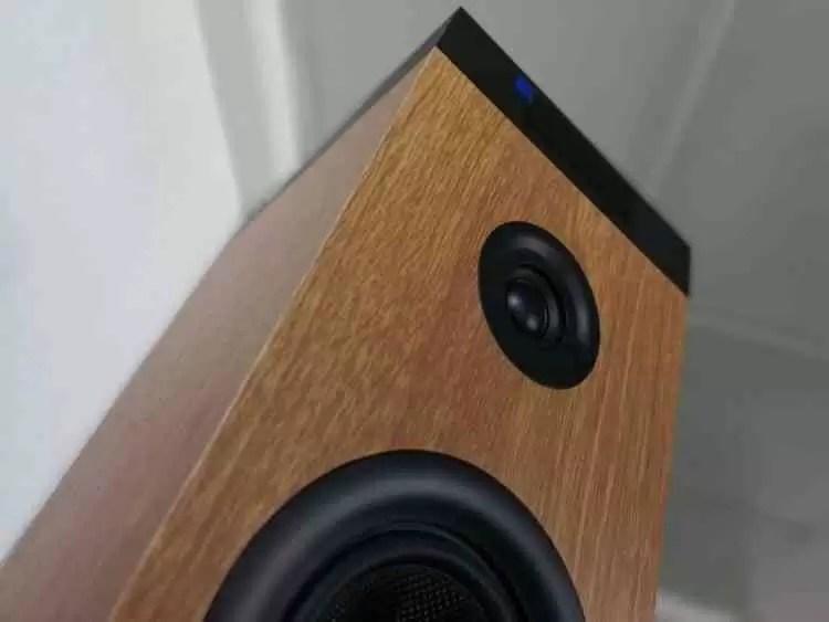 Analise Energy Tower 8 g2 Wood a mesma qualidade num pacote mais clássico 2