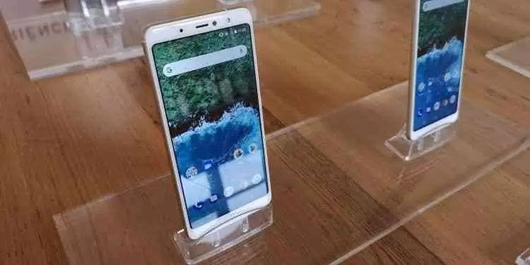 Vídeo Hands On BQ Aquaris X2 e X2 Pro  7