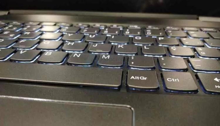 Análise Lenovo Yoga 720-15IKB 4