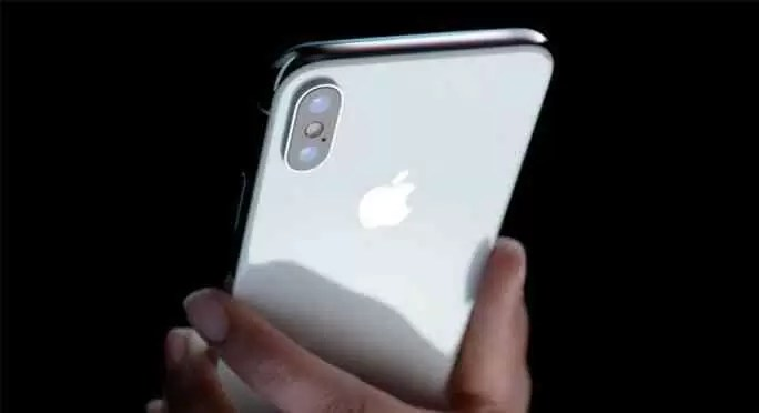 Parece que é desta que a Samsung faz uma cópia do iPhone X mas sem notch 1