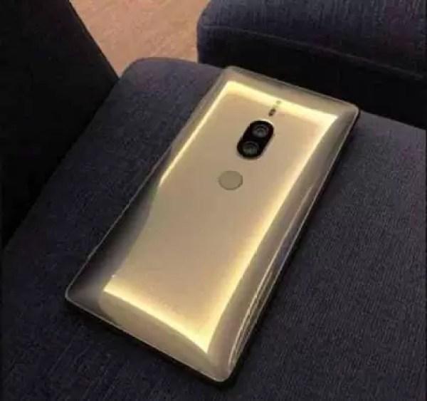 Sony Xperia XZ2 Premium em Chrome Gold aparece em fuga de informação 1
