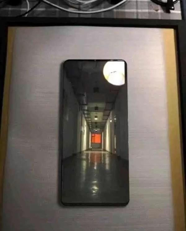 Alegado Huawei Mate 20 Pro revelada imagem e especificações 1