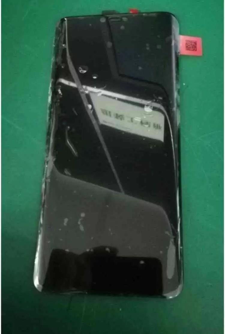 Painel frontal do Huawei Mate 20, revela um entalhe e avançado reconhecimento facial 3D 3