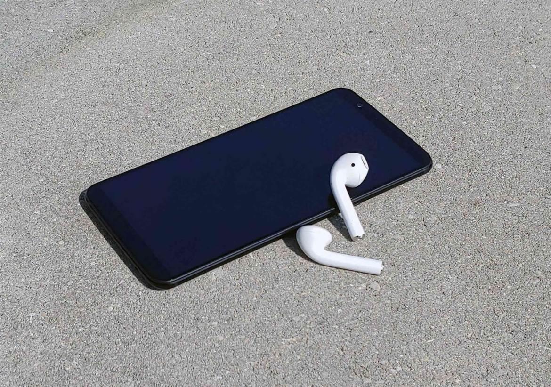 Sim, podem usar AirPods com um telefone Android; aqui está como 5