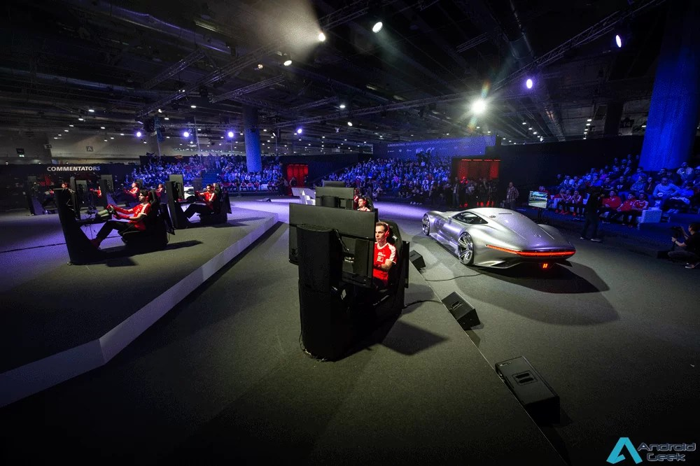 Transmissão da Final Mundial da Nations Cup dos FIA Gran Turismo Championships 2018 no Palco PlayStation na Lisboa Games Week 1