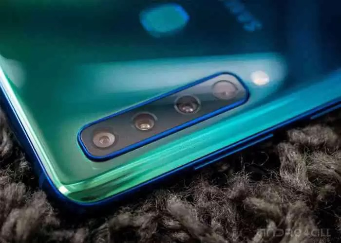 A Samsung se orgulha das 4 câmaras do Galaxy A9 no Twitter ... de um iPhone
