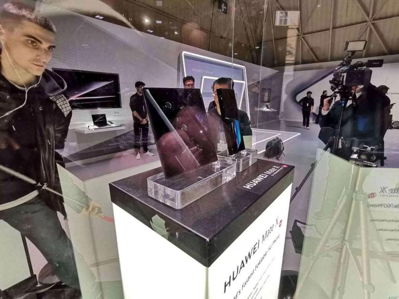 Já conhecem o Huawei Mate X com ecrã dobrável e 55W Super Charge? 2
