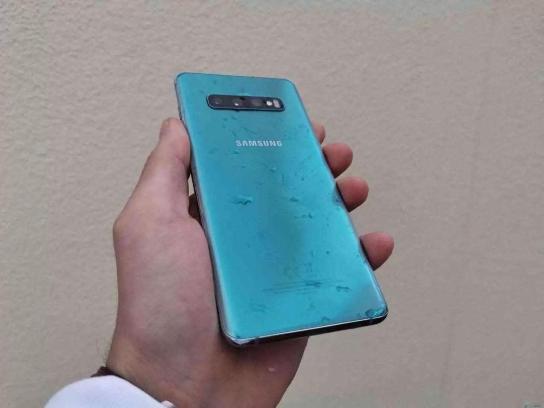 Análise Samsung Galaxy S10 Plus: Um ecrã mágico, câmaras impressionantes e uma bateria incrível. Mas não é só 3