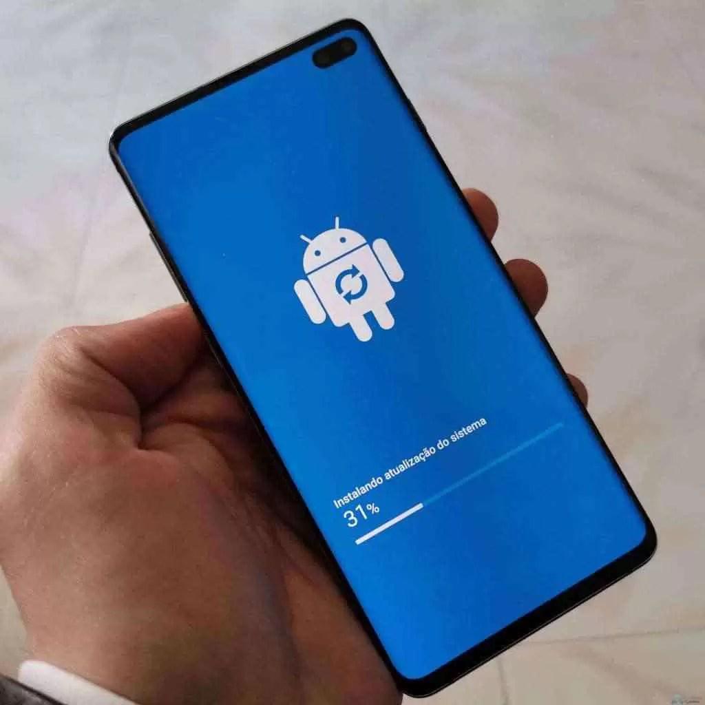 Análise Samsung Galaxy S10 Plus: Um ecrã mágico, câmaras impressionantes e uma bateria incrível. Mas não é só 18