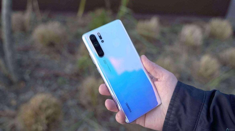 Huawei P30 Pro suporta carregamento sem fio reverso