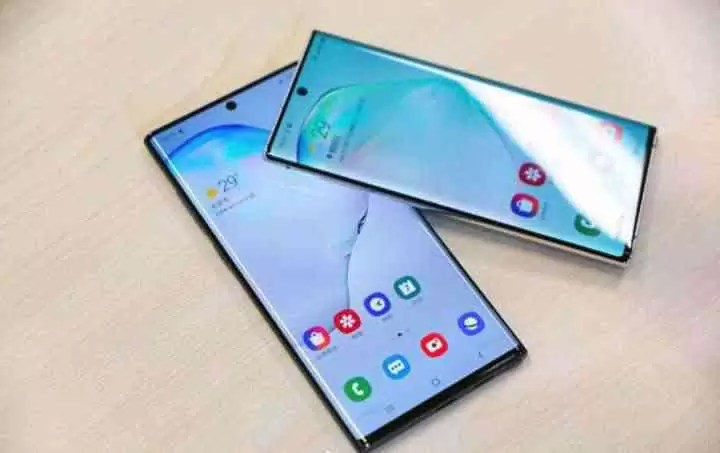 Samsung Galaxy Note 10 e Samsung Galaxy Note 10 mais